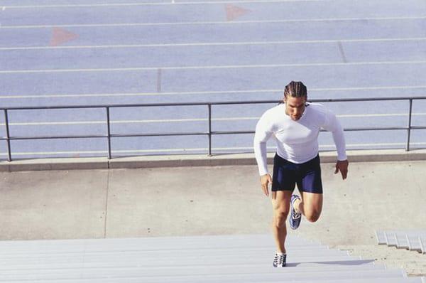 Подъем по лестнице для тренировки сердца