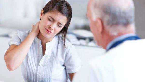 Первый шаг в лечении шеи - посещение хорошего невролога