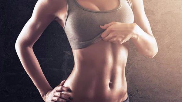 """При упражнении """"вакуум"""" подтягиваются внутренние мышцы"""