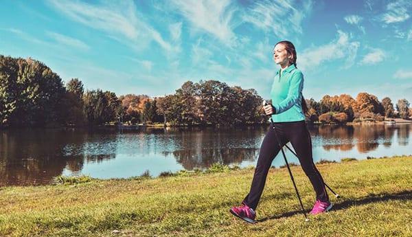 Скандинавская ходьба - тренировки для похудения на свежем воздухе