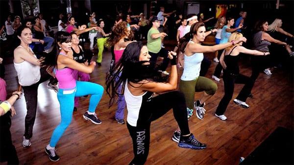 Напрягаем мышцы при каждом движении