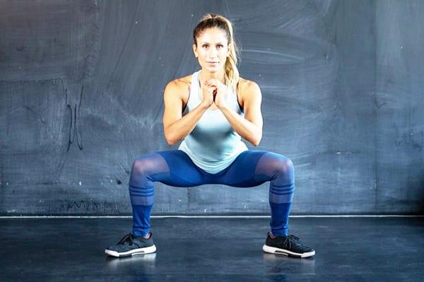 Приседания сумо или плие - лучшее упражнение для ног и ягодиц