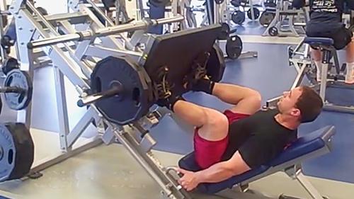 Во время занятия прорабатывается одна группа мышц