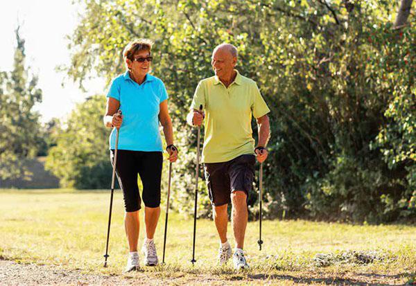 Скандинавская ходьба - лучший спорт для пожилых