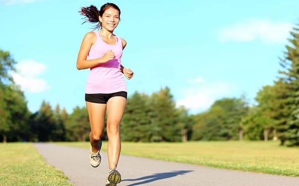 Бег – это признанное средство в борьбе с лишними килограммами