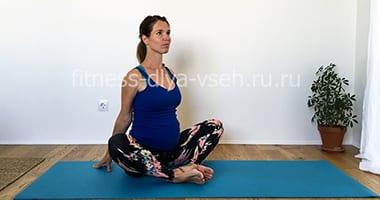 Йога для беременных (1 триместр, 2 триместр, 3 триместр) фото и видео