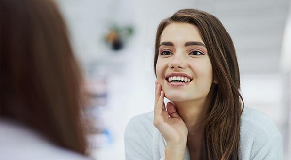Влага и лицевые мышцы поддерживают молодость кожи