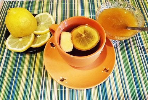 Добавляем мед и лимон