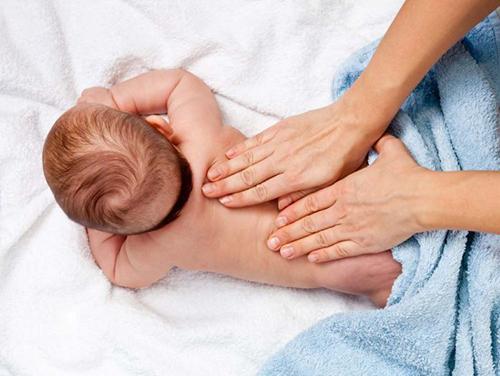 Целительные любящие прикосновения для малыша