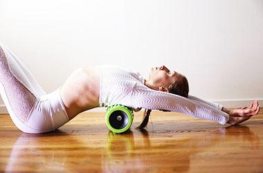 Упражнения от сутулости спины: комплекс для осанки для взрослых и детей: топ 10 упражнений от сутулости в домашних условиях