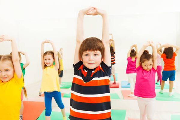 Детский игровой стретчинг для дошкольников в детском саду