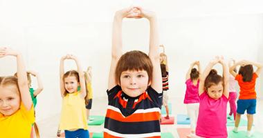 Детский игровой стретчинг для дошкольников в детском саду: 5 видео