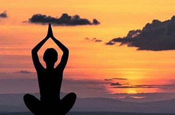 Йога ВЕЧЕРНИЙ КОМПЛЕКС для начинающих - снятие усталости, боли, расслабление, оздоровление (15, 20, 30 минут)