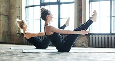 Простая йога для начинающих: комплексы, советы, отзывы (5 видео)