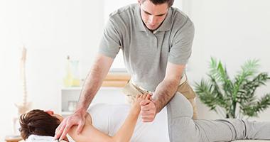 Мануальная терапия видео (лечение, техники, польза)